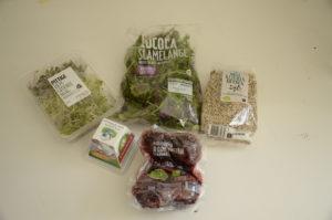 ingredienten quinoa bietensalade